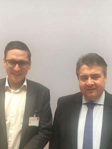 Dr. Roger Stöcker und Sigmar Gabriel in Berlin
